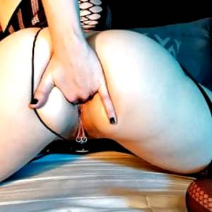 AdalynnX – Buttplug and Panties Shoved Up My Butt
