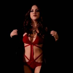 Elizabeth Gillies – Reveal And Sexy Slow-mo Bounce