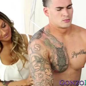 Nadia Styles – Young And Hung Is How Milf Nadia Styles Likes It