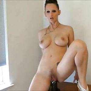 Pussy Lips 9 ( Everybady fucked my unprotected pussy !)