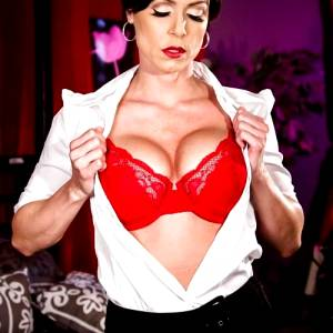 The Cut And Toned Cougar Kendra Lust Oh Shed Tear You To Pieces
